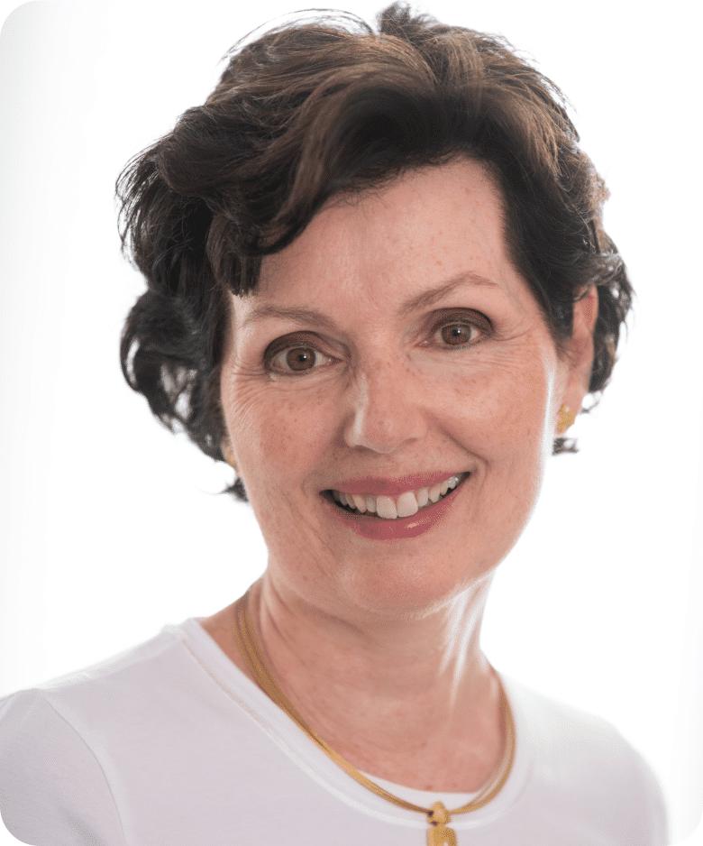 Dr Andrea Dornaus-min